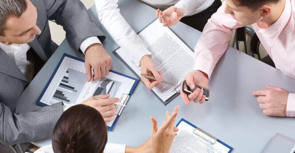 Khủng hoảng nội bộ và vai trò của giám đốc điều hành